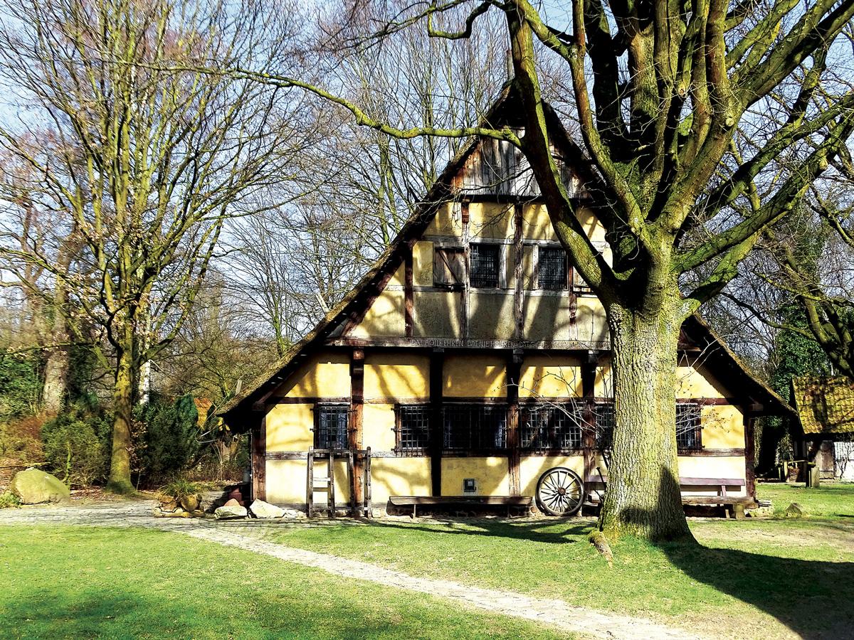 Little Old Village – Mühlenhof 005 – 015_M17.8.29