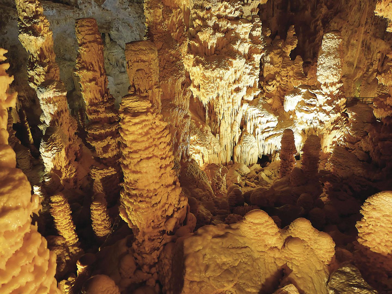 Caves_054_I16.3.52