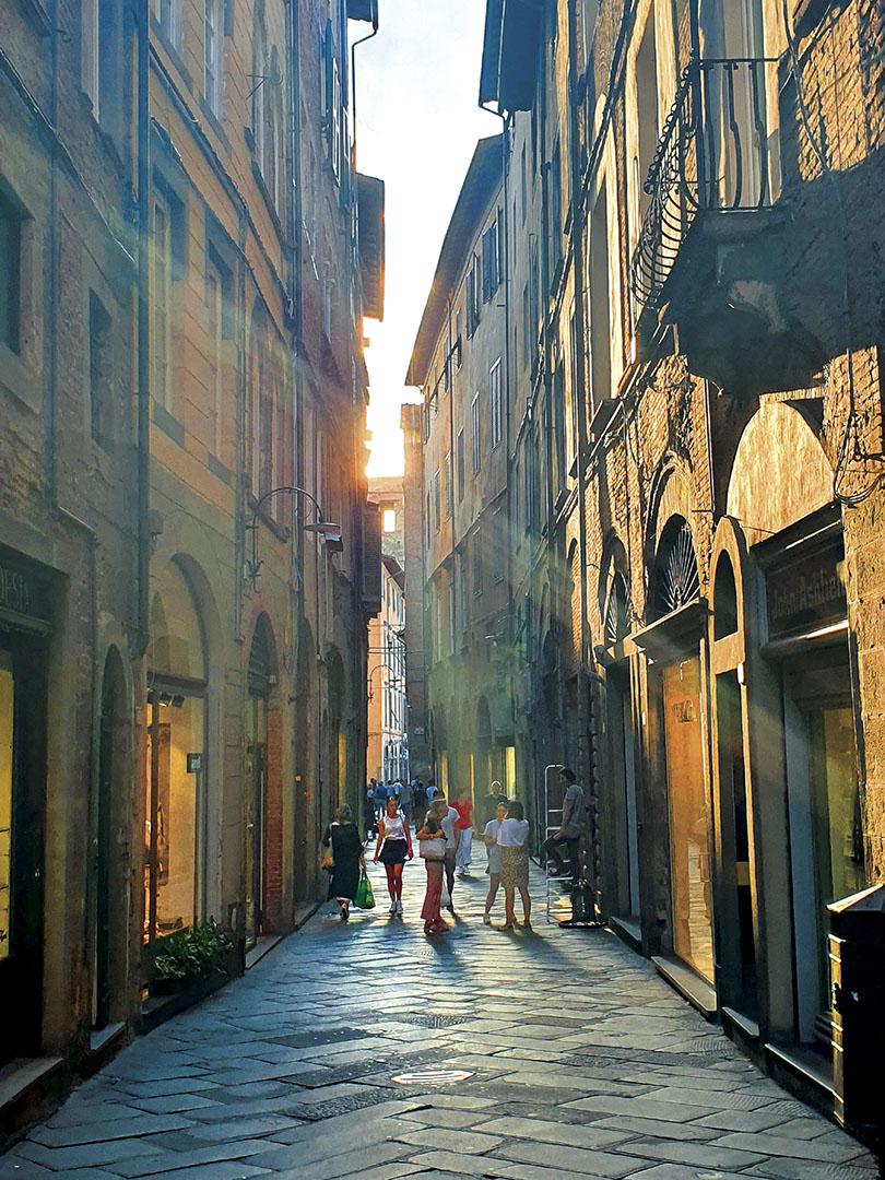 Lucca_080_I19.18.59