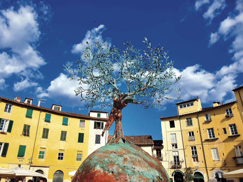 Lucca_093_I19.18.55