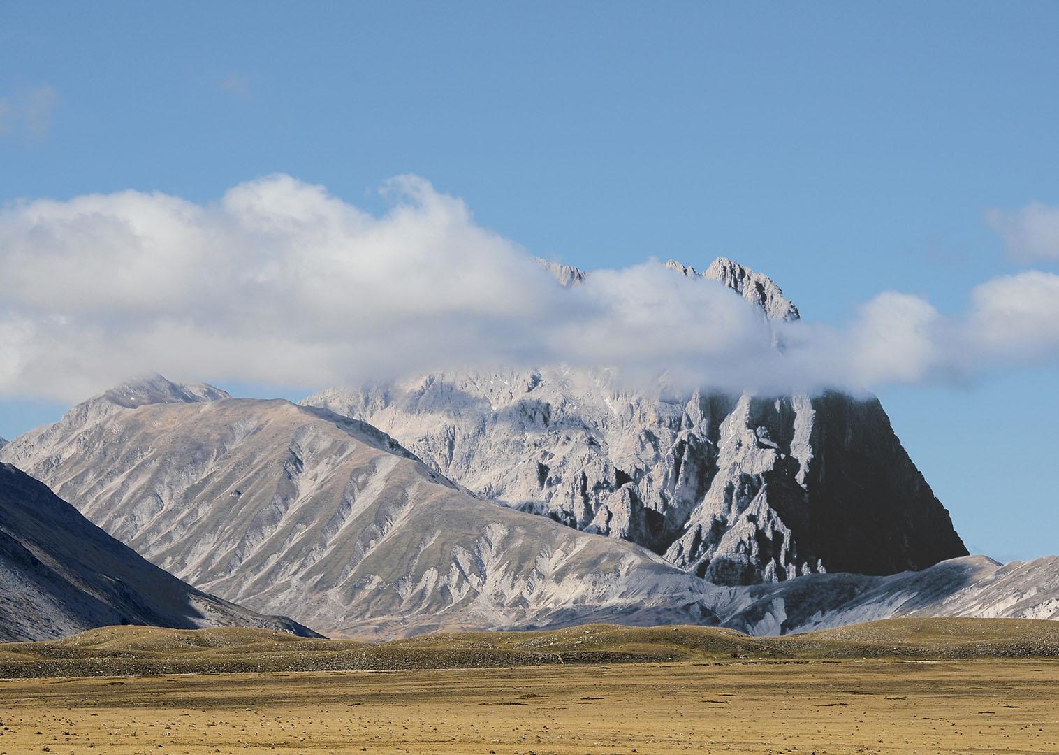 Mountains_064_I08-9.74